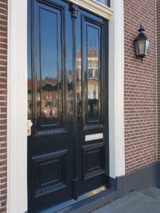 glimmende voordeur